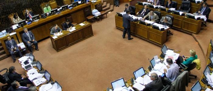 Nueva propuesta de contralor ingresa al Senado con respaldo mayoritario