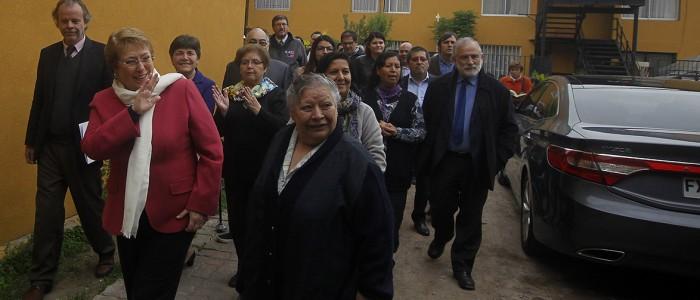 Expertos opinan sobre el repunte de Bachelet en las encuestas