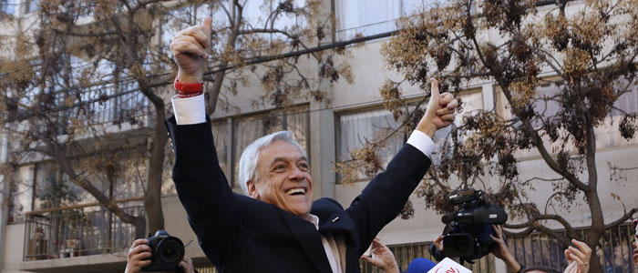 Sebastián Piñera : Observado por la historia