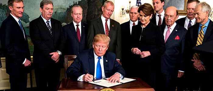Trump anuncia golpe comercial a China